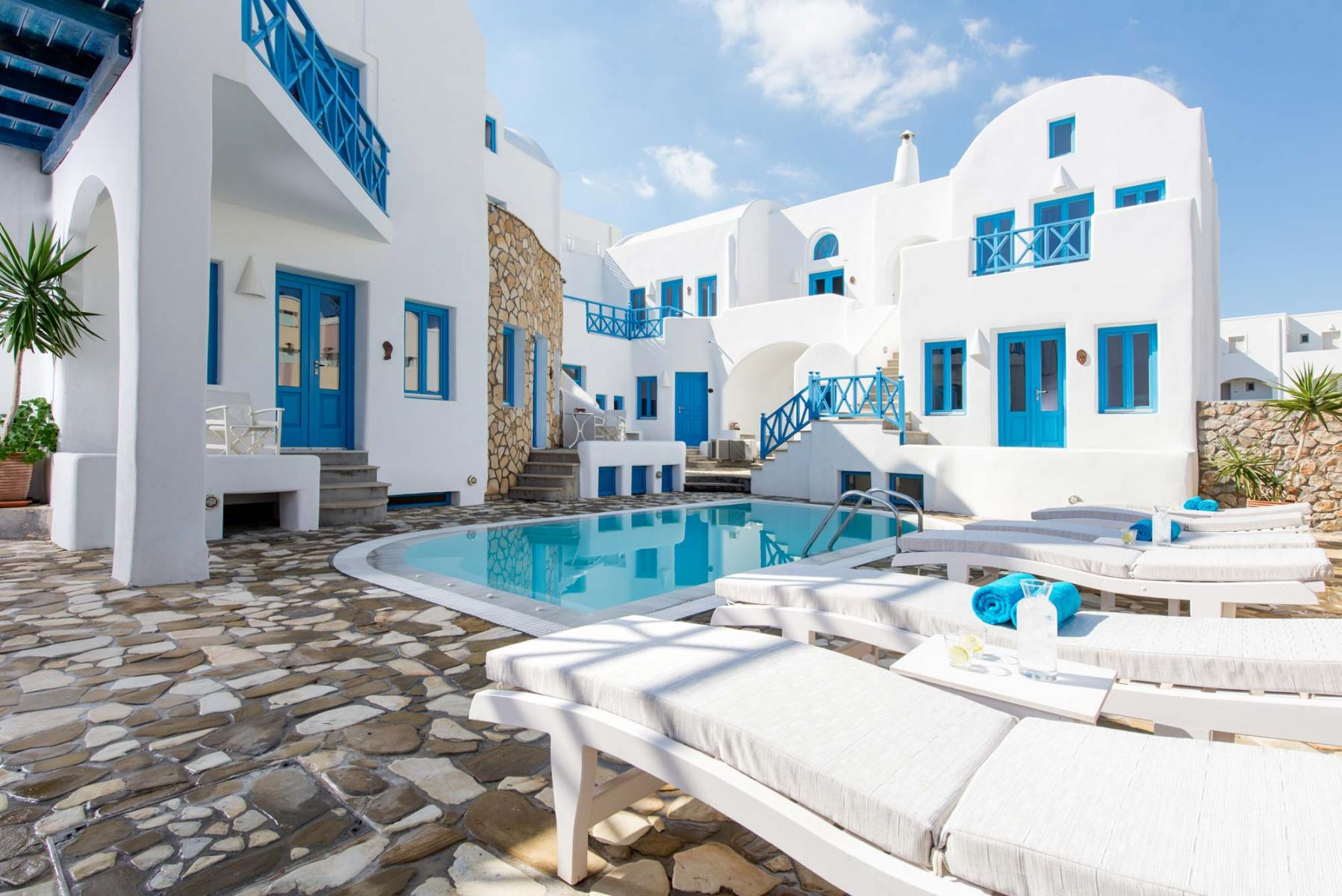 Kamari Santorini - Seaside Beach Hotel 3